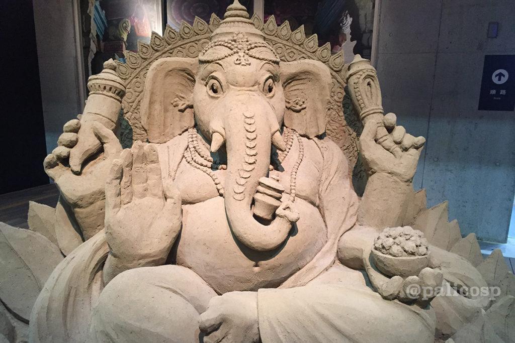 第12期南アジア編|ガネーシャ砂像